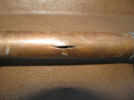 Frozen water pipes how pipes freeze and how to fix them for Copper pipe to plastic pipe